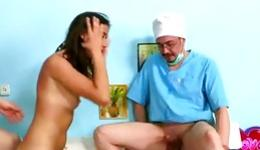 Smoking hot whorish chick can seduce everyone with her round presentable butt